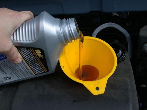 Всесезонное моторное масло для автомобиля: правила выбора