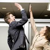 Дружба на работе: за или против?